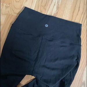 Lululemon size 4 wunder under leggings